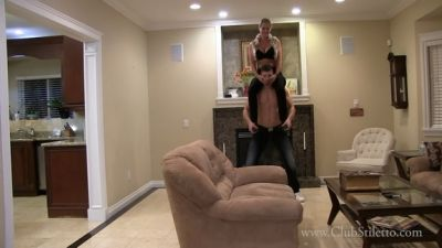 Clubstiletto – Mistress Kandy – Bedtime Pony Ride