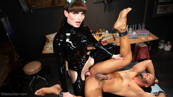 TSSeduction - Natalie Mars - Latex Predator: Natalie Captures and Fucks Dillon (12.11.2019) [HD 720p]