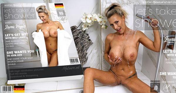 Hot big breasted MILF Lana Vegas