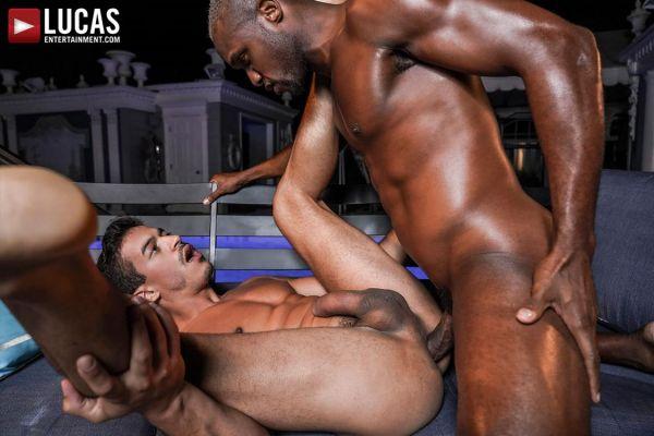 LE_-_Andre_Donovan_And_Jonathan_Mirandas_Nighttime_Hotel_Sex.jpg
