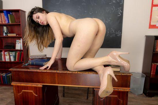 Classroom Nude Oculus Rift