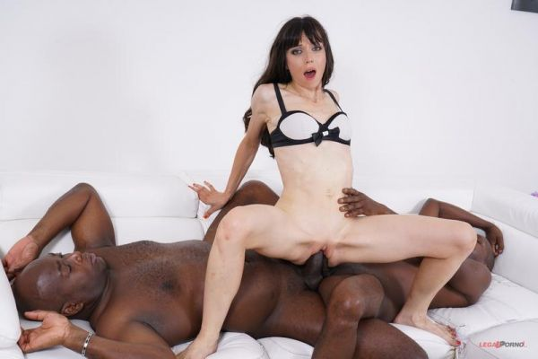 Candice - Candice comes to get fucked by two black cocks IV402 [HD 720p] (LegalP0rno)