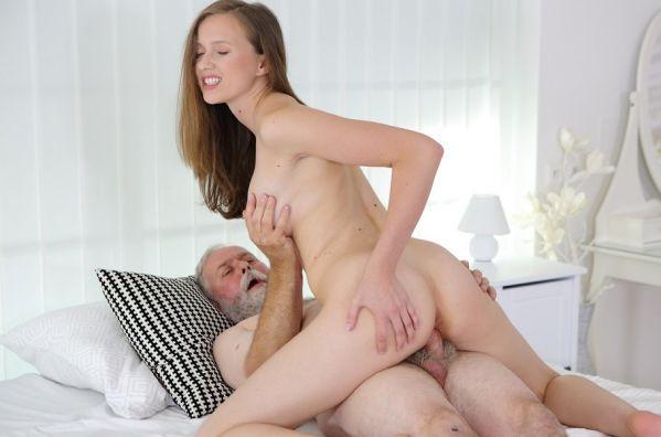 Stacy Cruz - Cutie Enjoys A Solo Pussy Massage
