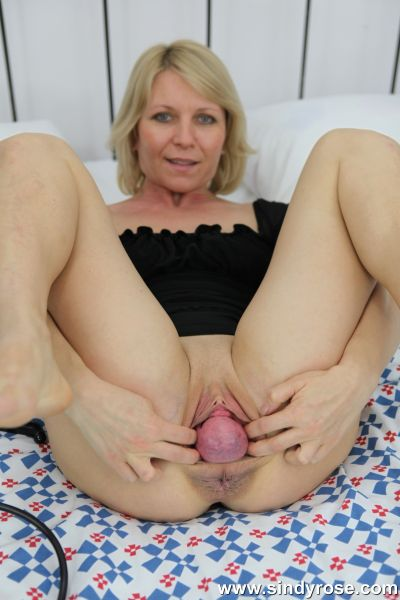 SindyRose - Sindy Rose - Sindy Rose pumping her pussy prolapse out (14.12.2019) [FullHD 1080p]