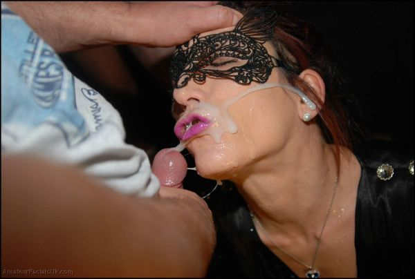AmateurfacialsUK - Eva - Amateur Facials UK (04.12.2019) [HD 720p]