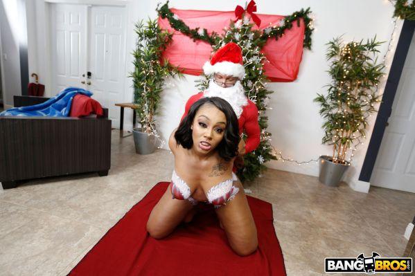 Santas Cumming Down Her Chimney 4k